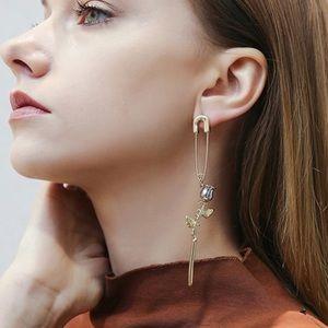 🆕 Pin Rose Drop Earring